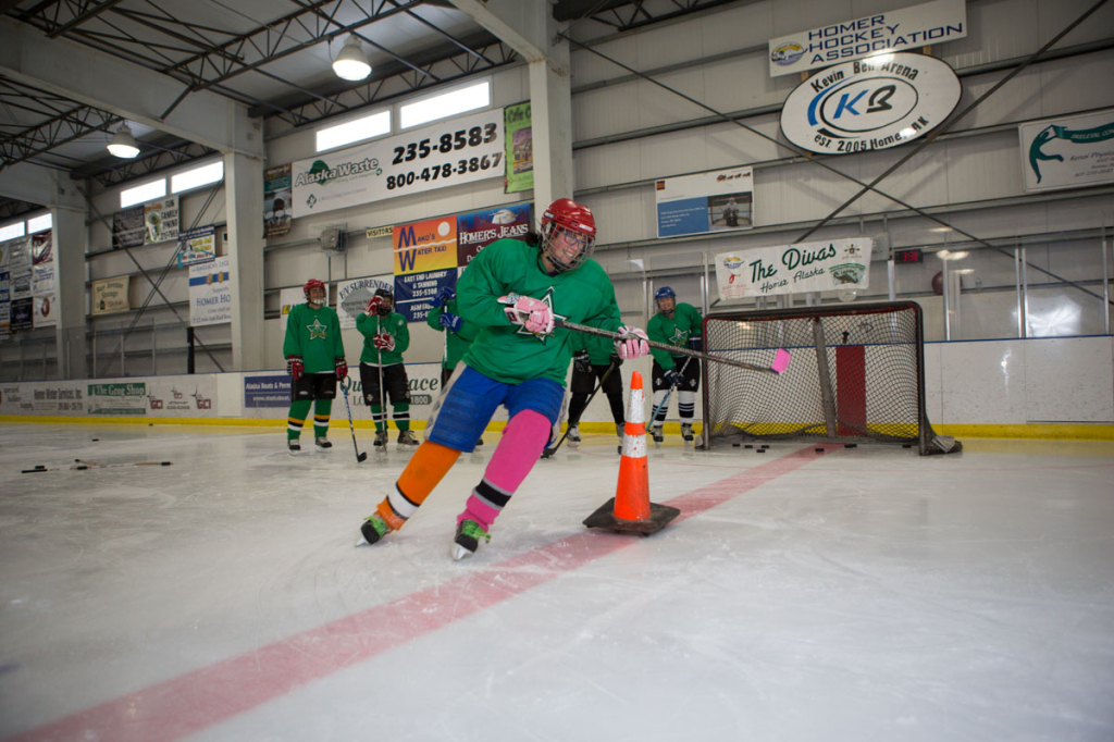 womens-hockey-skill-building-practice-2375h